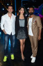 Hrithik Roshan, Pooja Hegde, Remo D Souza on sets of Dance plus 2 on 3rg Aug 2016 (139)_57a2b7a1d6798.JPG