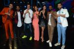 Hrithik Roshan, Pooja Hegde, Remo D Souza, Shakti Mohan, Dharmesh Yelande and Puneet Pathak on sets of Dance plus 2 on 3rg Aug 2016 (133)_57a2b89b59b15.JPG