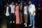 Hrithik Roshan, Pooja Hegde, Remo D Souza, Shakti Mohan, Dharmesh Yelande and Puneet Pathak on sets of Dance plus 2 on 3rg Aug 2016 (134)_57a2b7a3412d8.JPG