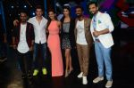 Hrithik Roshan, Pooja Hegde, Remo D Souza, Shakti Mohan, Dharmesh Yelande and Puneet Pathak on sets of Dance plus 2 on 3rg Aug 2016 (135)_57a2b89c1040e.JPG
