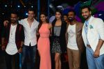 Hrithik Roshan, Pooja Hegde, Remo D Souza, Shakti Mohan, Dharmesh Yelande and Puneet Pathak on sets of Dance plus 2 on 3rg Aug 2016 (137)_57a2b89cc517d.JPG