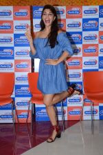 Jacqueline Fernandez at Flying Jatt song launch at Radio City in Mumbai on August 3, 3016 (98)_57a2e41a53ebc.JPG