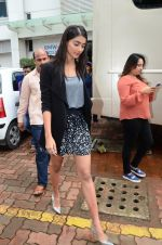 Pooja Hegde on sets of Dance plus 2 on 3rg Aug 2016 (20)_57a2b7aa9c716.JPG