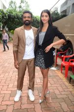 Remo D Souza, Pooja Hegde on sets of Dance plus 2 on 3rg Aug 2016 (12)_57a2b8199a096.JPG