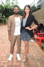 Remo D Souza, Pooja Hegde on sets of Dance plus 2 on 3rg Aug 2016 (16)_57a2b81bdb50d.JPG