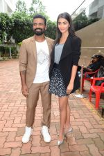 Remo D Souza, Pooja Hegde on sets of Dance plus 2 on 3rg Aug 2016 (18)_57a2b81cb0cc7.JPG