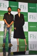 Sonam Kapoor, Yuvraj Singh at Oppo F1s mobile launch in Mumbai on 3rd Aug 2016
