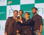Sonam Kapoor, Yuvraj Singh, Dabboo Ratnani at Oppo F1s mobile launch in Mumbai on 3rd Aug 2016 (34)_57a2b6d22d465.jpg