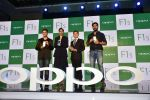 Sonam Kapoor, Yuvraj Singh, Dabboo Ratnani at Oppo F1s mobile launch in Mumbai on 3rd Aug 2016 (36)_57a2b6bf4d9fc.jpg