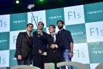 Sonam Kapoor, Yuvraj Singh, Dabboo Ratnani at Oppo F1s mobile launch in Mumbai on 3rd Aug 2016 (40)_57a2b6c04a94b.jpg