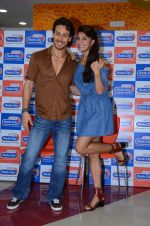 Tiger Shroff and Jacqueline Fernandez at Flying Jatt song launch at Radio City in Mumbai on August 3, 3016 (104)_57a2e43d443e6.JPG