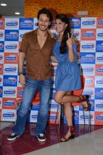 Tiger Shroff and Jacqueline Fernandez at Flying Jatt song launch at Radio City in Mumbai on August 3, 3016 (106)_57a2e480678be.JPG