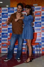 Tiger Shroff and Jacqueline Fernandez at Flying Jatt song launch at Radio City in Mumbai on August 3, 3016 (108)_57a2e4817b894.JPG