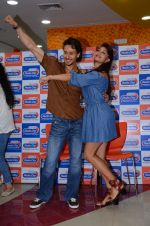 Tiger Shroff and Jacqueline Fernandez at Flying Jatt song launch at Radio City in Mumbai on August 3, 3016 (111)_57a2e441164f9.JPG