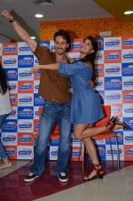 Tiger Shroff and Jacqueline Fernandez at Flying Jatt song launch at Radio City in Mumbai on August 3, 3016 (113)_57a2e441c8731.JPG