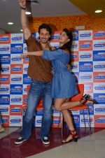 Tiger Shroff and Jacqueline Fernandez at Flying Jatt song launch at Radio City in Mumbai on August 3, 3016 (115)_57a2e44292192.JPG