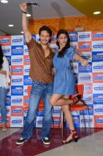 Tiger Shroff and Jacqueline Fernandez at Flying Jatt song launch at Radio City in Mumbai on August 3, 3016 (117)_57a2e443496cf.JPG