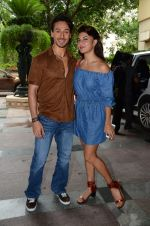 Tiger Shroff and Jacqueline Fernandez at Flying Jatt song launch at Radio City in Mumbai on August 3, 3016 (73)_57a2e431700c0.JPG