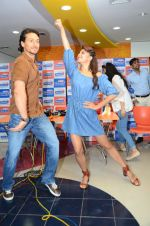 Tiger Shroff and Jacqueline Fernandez at Flying Jatt song launch at Radio City in Mumbai on August 3, 3016 (78)_57a2e471c857c.JPG