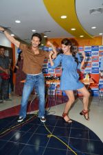 Tiger Shroff and Jacqueline Fernandez at Flying Jatt song launch at Radio City in Mumbai on August 3, 3016 (81)_57a2e473705a8.JPG