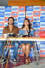 Tiger Shroff and Jacqueline Fernandez at Flying Jatt song launch at Radio City in Mumbai on August 3, 3016 (83)_57a2e47470bb1.JPG