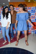 Tiger Shroff and Jacqueline Fernandez at Flying Jatt song launch at Radio City in Mumbai on August 3, 3016 (92)_57a2e47898657.JPG