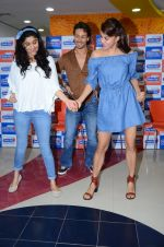 Tiger Shroff and Jacqueline Fernandez at Flying Jatt song launch at Radio City in Mumbai on August 3, 3016 (93)_57a2e43974abe.JPG