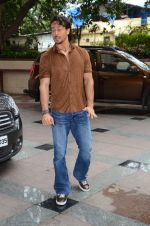 Tiger Shroff at Flying Jatt song launch at Radio City in Mumbai on August 3, 3016 (17)_57a2e48a72a7f.JPG