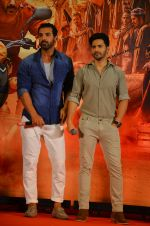 Varun Dhawan, John Abraham at Dishoom Movie Press Meet on 3rd August 2016 (59)_57a2e8ad529fd.JPG