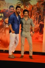 Varun Dhawan, John Abraham at Dishoom Movie Press Meet on 3rd August 2016 (81)_57a2e91892941.JPG