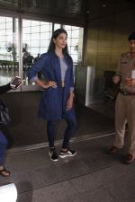 Pooja Hegde snapped at airport on 4th Aug 2016 (41)_57a440c08b20c.JPG