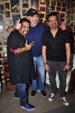 Shankar Mahadevan, Ehsaan Noorani and Loy Mendonsa at Sanjay Divecha album launch in Mumbai on 4th Aug 2016 (16)_57a45438008f7.JPG