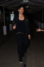 Tiger Shroff promote A Flying Jatt on 4th Aug 2016 (26)_57a455c8b3732.JPG