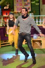 Akshay Kumar promote Rustom on the sets of The Kapil Sharma Show on 5th Aug 2016 (17)_57a5747e2b2e6.JPG