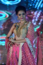 Model walk the ramp for IIJS show in Mumbai on 5th Aug 2016 (73)_57a56c3f8bf17.JPG