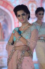 Model walk the ramp for IIJS show in Mumbai on 5th Aug 2016 (37)_57a56c1b0d4da.JPG