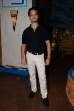 Raghav Sachar promote Rustom on the sets of The Kapil Sharma Show on 5th Aug 2016 (2)_57a57527a72a5.JPG