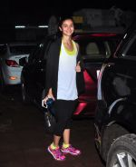 Alia Bhatt snapped for dream team practise on 6th Aug 2016 (13)_57a7397238f5a.JPG