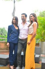 Ileana D_Cruz, Akshay Kumar, Esha Gupta at Rustom promotion in Mumbai on 6th Aug 2016 (112)_57a748829ce7d.JPG