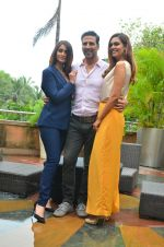 Ileana D_Cruz, Akshay Kumar, Esha Gupta at Rustom promotion in Mumbai on 6th Aug 2016 (115)_57a7488d93edc.JPG