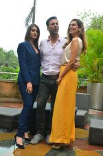 Ileana D_Cruz, Akshay Kumar, Esha Gupta at Rustom promotion in Mumbai on 6th Aug 2016 (116)_57a746d1758b5.JPG