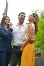 Ileana D_Cruz, Akshay Kumar, Esha Gupta at Rustom promotion in Mumbai on 6th Aug 2016 (117)_57a746d369c4e.JPG
