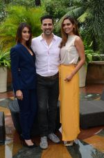 Ileana D_Cruz, Akshay Kumar, Esha Gupta at Rustom promotion in Mumbai on 6th Aug 2016 (84)_57a7484835be8.JPG