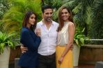 Ileana D_Cruz, Akshay Kumar, Esha Gupta at Rustom promotion in Mumbai on 6th Aug 2016 (87)_57a7484c48d35.JPG