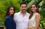 Ileana D_Cruz, Akshay Kumar, Esha Gupta at Rustom promotion in Mumbai on 6th Aug 2016 (90)_57a7470d9f831.JPG