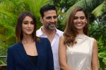 Ileana D_Cruz, Akshay Kumar, Esha Gupta at Rustom promotion in Mumbai on 6th Aug 2016 (99)_57a748bba1b51.JPG