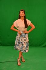 Jacqueline Fernandez snapped in Mumbai to promote The Flying Jatt on 6th Aug 2016 (70)_57a7461cab2ae.JPG