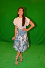 Jacqueline Fernandez snapped in Mumbai to promote The Flying Jatt on 6th Aug 2016 (75)_57a74635c2495.JPG
