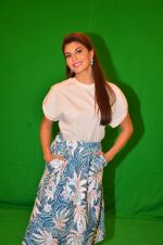 Jacqueline Fernandez snapped in Mumbai to promote The Flying Jatt on 6th Aug 2016 (77)_57a74638d370f.JPG