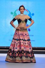 Malaika Arora Khan walk for a Jewellery show on 6th Aug 2016 (42)_57a76dc2d900a.JPG